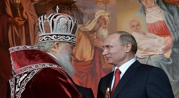 """А В ЭТО ВРЕМЯ В РОССИИ: """"Мы из Путина святого делать будем"""""""