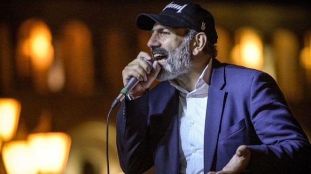 ПАШИНЯН ЗЛАМАВСЯ, НЕСІТЬ НОВОГО. Революція у Вірменії відміняється. Москва перемогла.