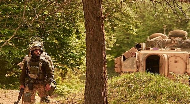 """СОЛДАТИ НАТО ОТРИМАЛИ ЧЕРГОВИЙ МАЙСТЕР-КЛАС ВІД """"КІБОРГІВ"""""""