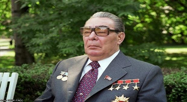 КАК ВОРОВАЛИ В СССР: министры-миллионеры и взятки Брежневу