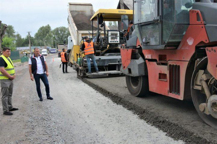 Продолжается ремонт дороги Шостка-Глухов + Фото